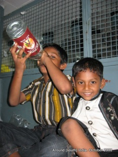 in a train to kanyakumari from trivendram kids