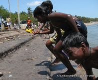 kids on rameswaram beach