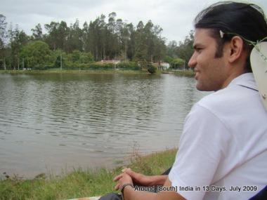 Wondering where Ishwari is looking at? See next pic