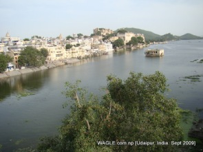 lake pichola, udaipur, india