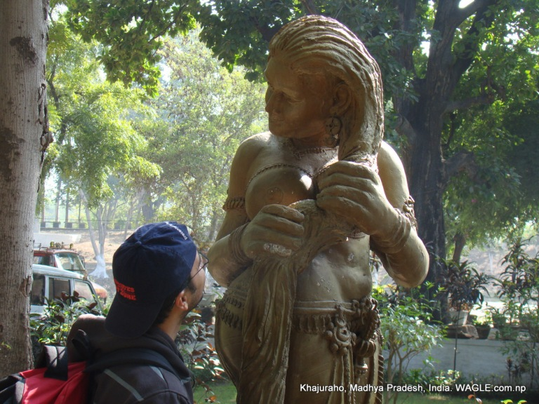 khajuraho carvings statues sculptures