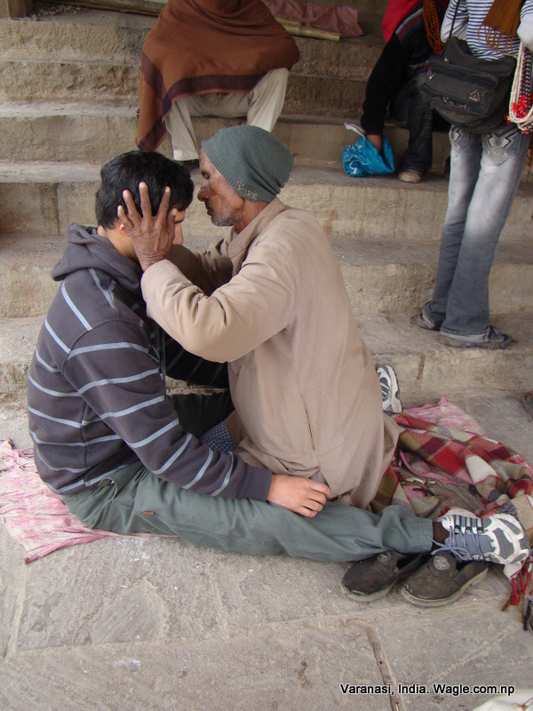 massage at dashashawmedha ghat varanasi