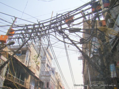 electric lines pass through chawri bazaar, old delhi