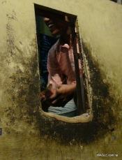liquor sales outlet in delhi