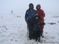 an indian family rohtang pass himachal pradesh india