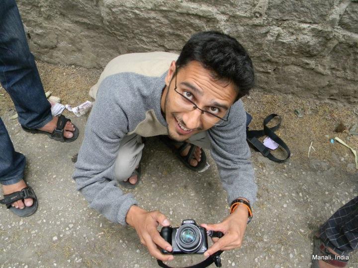 Dinesh takes photos of Gokul, Pavan, Rajesh and trees of Manali