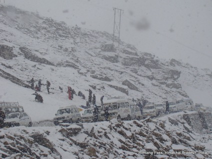 traffic jam at rohtang pass himachal pradesh india