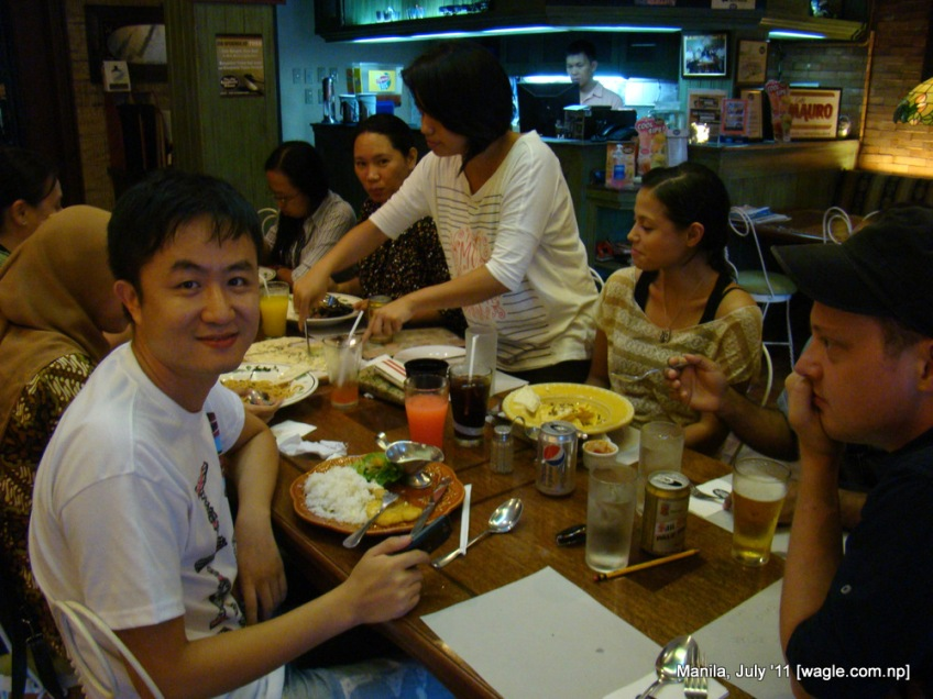 Manila food: dining with classmates in a restaurant