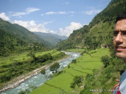 mid hill highway in nepal (2)