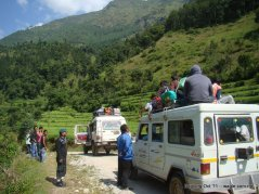 mid hill highway in nepal (3)