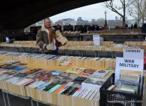 Reminded me of a Sunday book market of Daryaganj. https://wagle.com.np/2009/01/03/amazing-book-bazaar-of-darya-ganj-delhi/