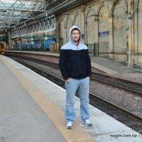 Train leaves the Edinburgh Waverley Railway Station