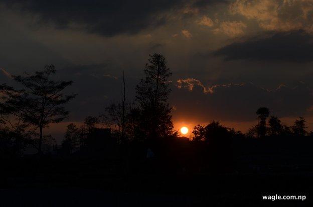 काठमान्डूको साँखुबाट देखिएको सूर्यास्त