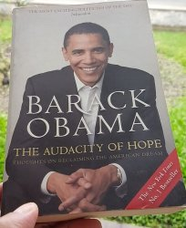 बराक अोबामाको द अड्यासिटी अफ होप